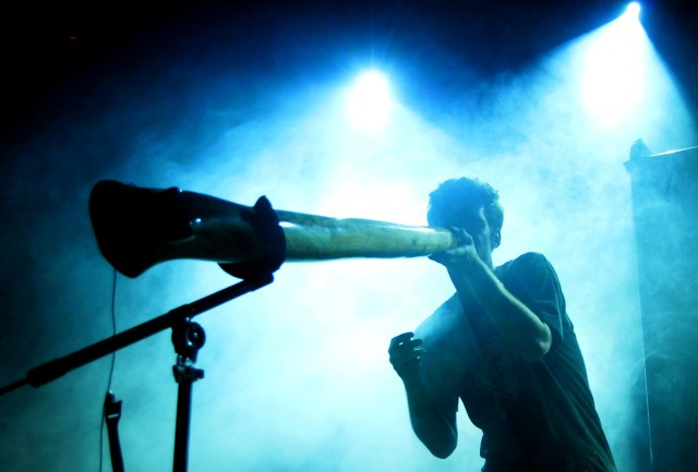 didgeridoo players beatbox aboriginal